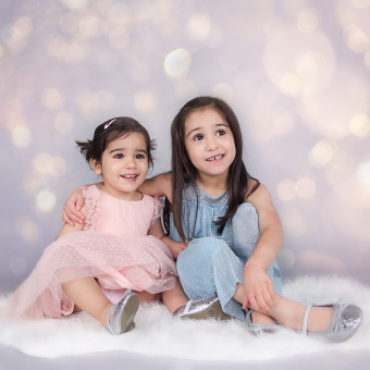 Zarah and Maiya's Christmas Mini Session