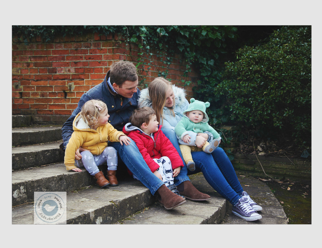Relaxed.Outdoor.Familyphotoshoot.Southsea (10)
